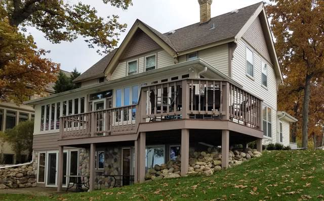 W278N2935 Rocky Point Rd, Pewaukee, WI 53072 (#1667189) :: RE/MAX Service First Service First Pros