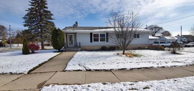 919 Lowell Street, Two Rivers, WI 54241 (#1667456) :: Keller Williams Momentum