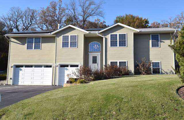 34110 Valley Dr, Burlington, WI 53105 (#1667596) :: Tom Didier Real Estate Team