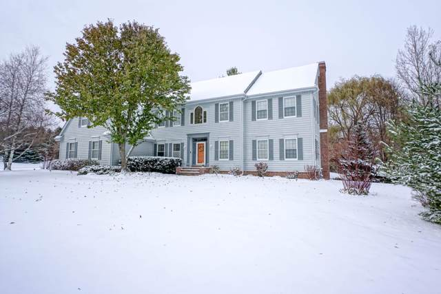 W302N3274 Rookery Rd, Delafield, WI 53072 (#1667668) :: RE/MAX Service First Service First Pros