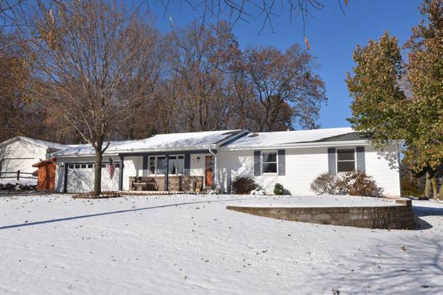 1520 Annie Pl, West Bend, WI 53090 (#1667701) :: Tom Didier Real Estate Team