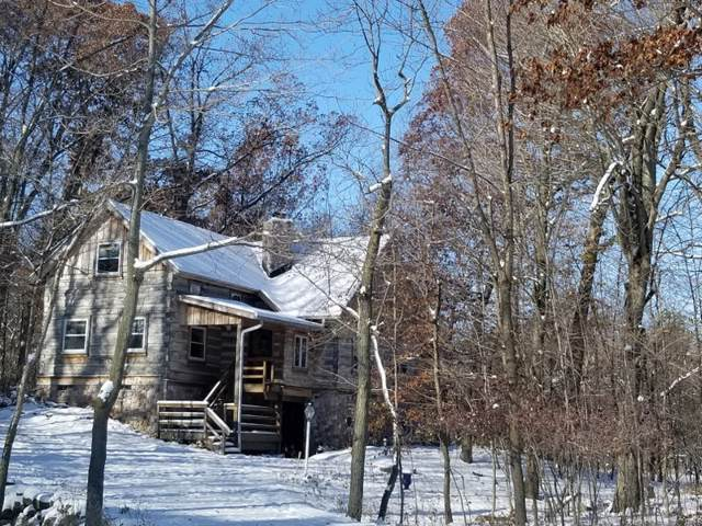 5996 Donegal Rd, Erin, WI 53033 (#1667714) :: RE/MAX Service First Service First Pros
