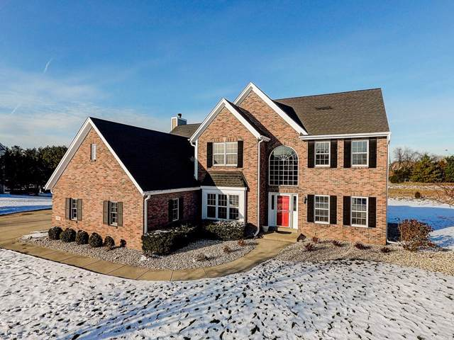 297 Mulberry Dr, Delafield, WI 53018 (#1667719) :: RE/MAX Service First Service First Pros