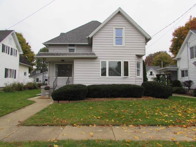 325 Henry St, Burlington, WI 53105 (#1667750) :: RE/MAX Service First Service First Pros