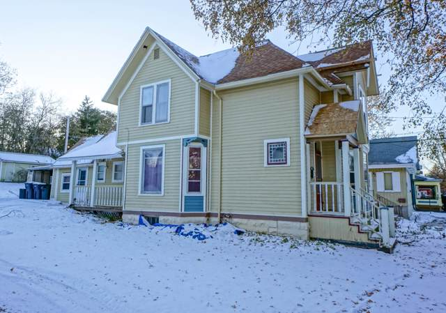 813 E Broadway, Waukesha, WI 53186 (#1667756) :: RE/MAX Service First Service First Pros