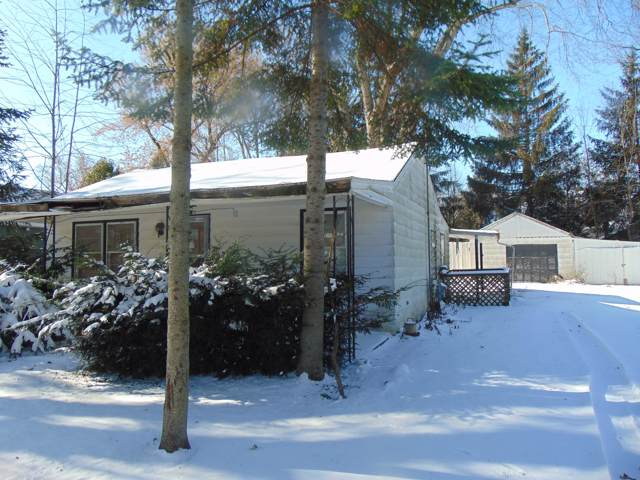 4207 Mulberry Ave, Delavan, WI 53115 (#1667776) :: RE/MAX Service First Service First Pros