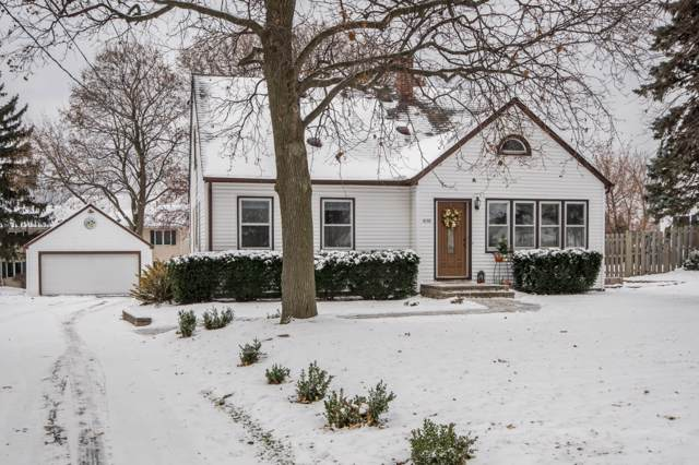 1030 Guthrie Rd, Waukesha, WI 53186 (#1667873) :: RE/MAX Service First Service First Pros