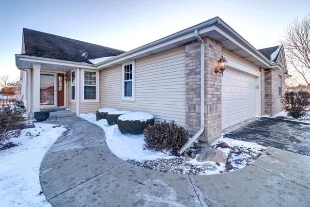 2949 Clearwater Ln, Waukesha, WI 53189 (#1667953) :: RE/MAX Service First Service First Pros