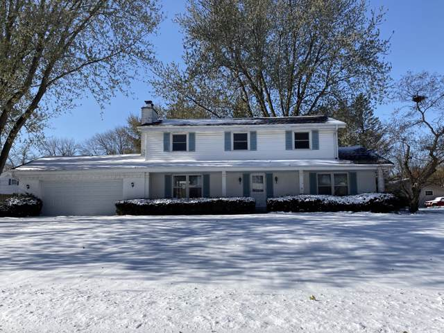 2355 Talbots Ln, Brookfield, WI 53045 (#1667954) :: RE/MAX Service First Service First Pros