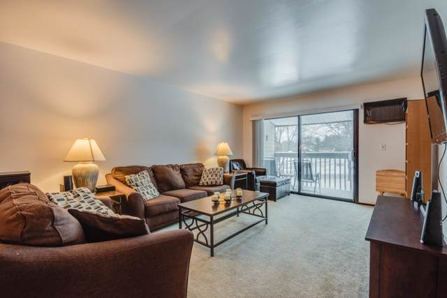 625 Westridge Dr #10, West Bend, WI 53095 (#1667970) :: Tom Didier Real Estate Team