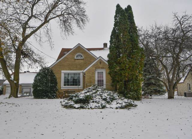 20795 Watertown Rd, Brookfield, WI 53186 (#1667976) :: RE/MAX Service First Service First Pros