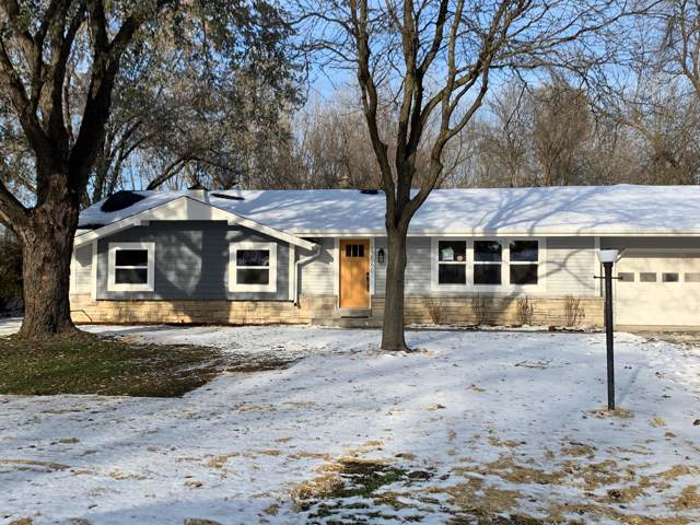 12560 Cardinal Crest Dr, Brookfield, WI 53005 (#1668057) :: RE/MAX Service First Service First Pros