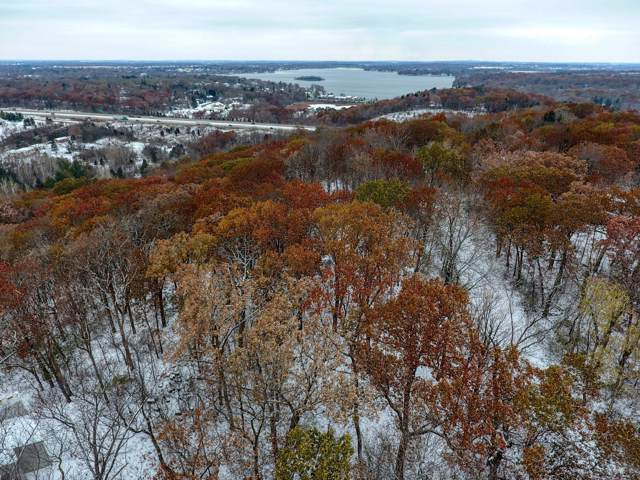 1825 Sunset View, Delafield, WI 53018 (#1668063) :: Keller Williams Realty - Milwaukee Southwest