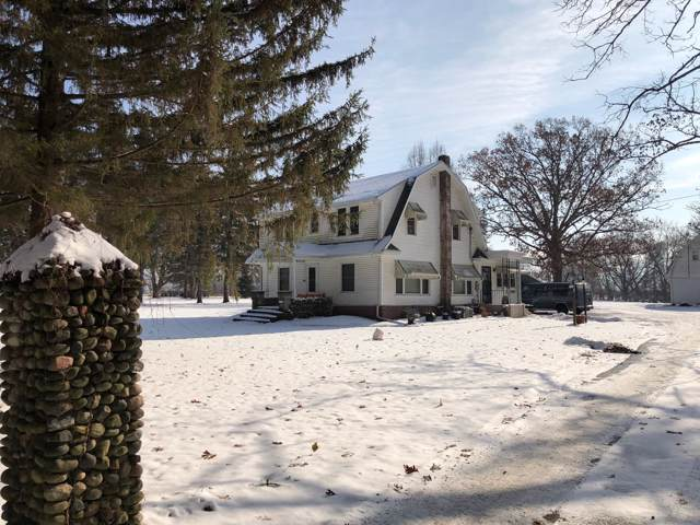411 Holig Ln, Delavan, WI 53115 (#1668073) :: RE/MAX Service First Service First Pros