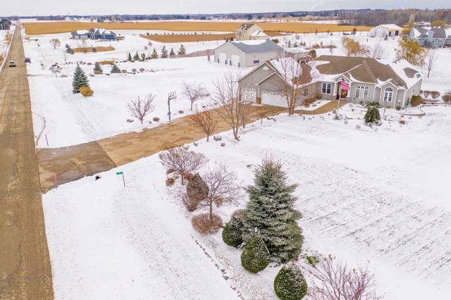1315 55th Dr, Yorkville, WI 53182 (#1668089) :: RE/MAX Service First Service First Pros