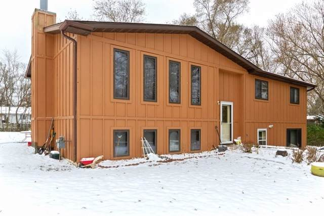 26817 106th St, Salem Lakes, WI 53179 (#1668159) :: Keller Williams Momentum