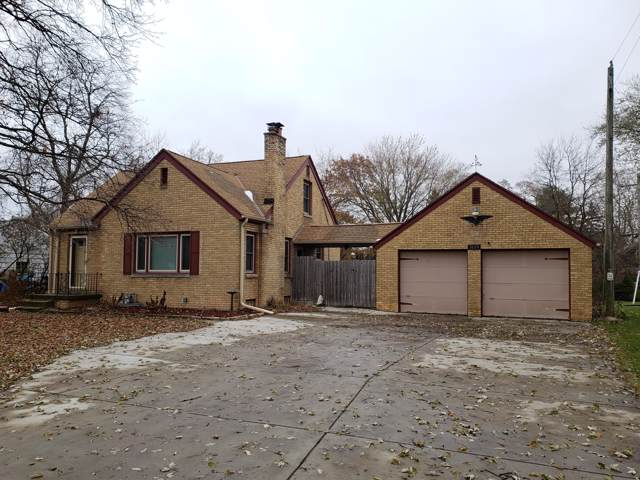 1634 S Sunny Slope Rd, New Berlin, WI 53151 (#1668391) :: Keller Williams Realty - Milwaukee Southwest