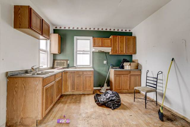 2040 Racine St, Racine, WI 53403 (#1668399) :: Tom Didier Real Estate Team