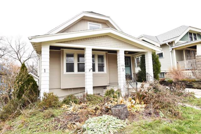 1251 N 68th St, Wauwatosa, WI 53213 (#1668403) :: Tom Didier Real Estate Team