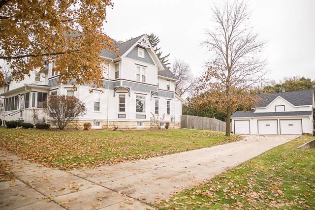 317 Maple St #319, Fort Atkinson, WI 53538 (#1668536) :: RE/MAX Service First Service First Pros