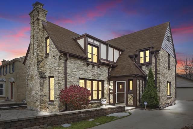 5712 N Kent Ave, Whitefish Bay, WI 53217 (#1668541) :: Tom Didier Real Estate Team