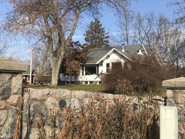 5806 Springbrook Rd, Pleasant Prairie, WI 53158 (#1668714) :: Keller Williams Momentum