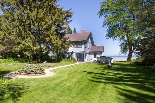 7250 N Beach Dr, Fox Point, WI 53217 (#1668747) :: Tom Didier Real Estate Team