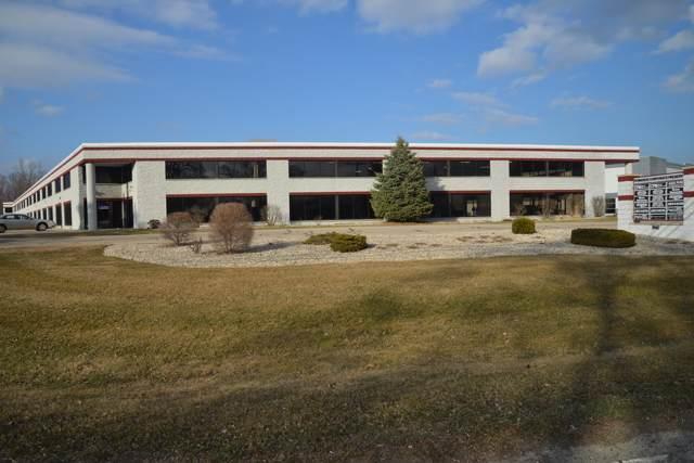 1343 E Wisconsin Ave #102, Pewaukee, WI 53072 (#1668748) :: Keller Williams Realty - Milwaukee Southwest