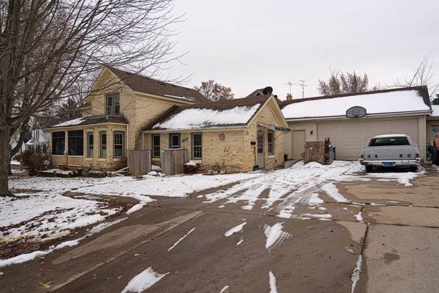 341 Conkey St, Burlington, WI 53105 (#1668886) :: RE/MAX Service First Service First Pros