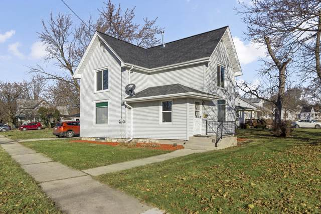 548 W State W St, Burlington, WI 53105 (#1668889) :: RE/MAX Service First Service First Pros