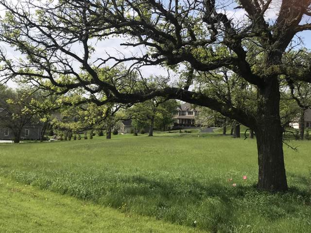 210 Muirfield Cir Lt128, North Prairie, WI 53153 (#1668919) :: Tom Didier Real Estate Team