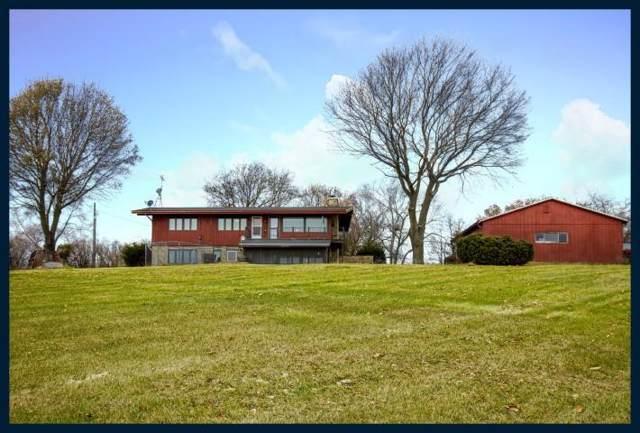 W9395 Island Rd, Whitewater, WI 53190 (#1669080) :: Keller Williams Momentum