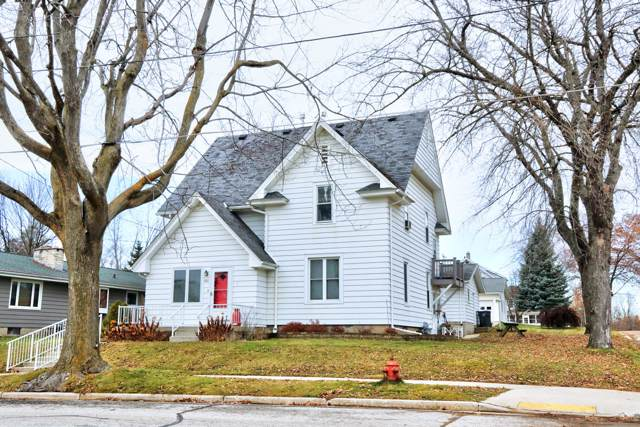 402 1ST AVE 203 Milwaukee S, Adell, WI 53001 (#1669095) :: Tom Didier Real Estate Team