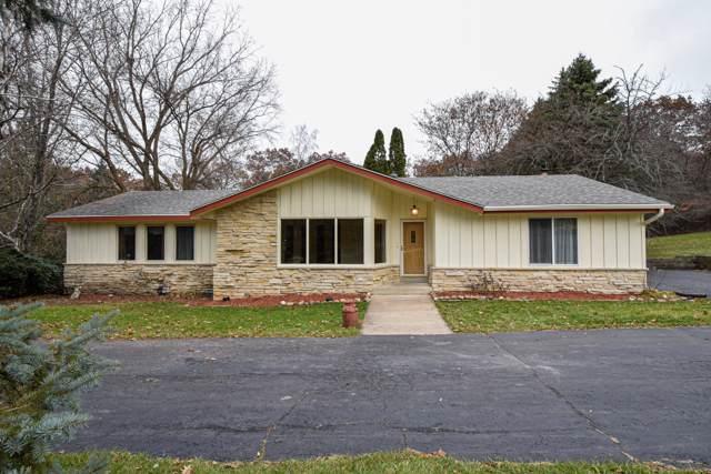 N11W27766 White Oak Ct, Pewaukee, WI 53188 (#1669216) :: Keller Williams Realty - Milwaukee Southwest