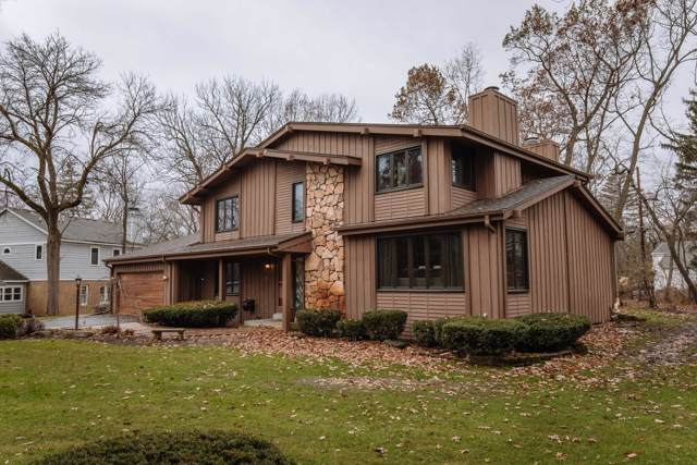 865 Fox Creek Ct, Elm Grove, WI 53122 (#1669240) :: RE/MAX Service First Service First Pros