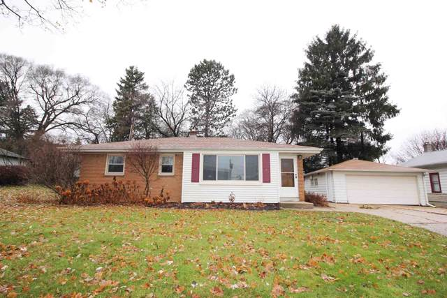 821 N 109th St, Wauwatosa, WI 53226 (#1669360) :: Keller Williams Realty - Milwaukee Southwest
