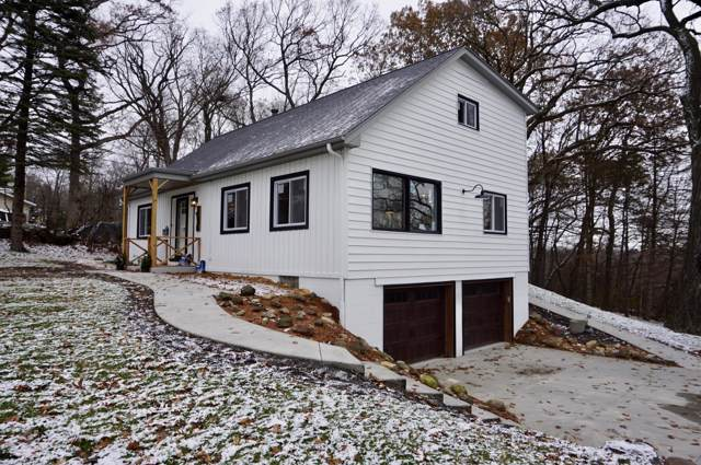 1530 S Norwood Dr, New Berlin, WI 53146 (#1669467) :: Keller Williams Realty - Milwaukee Southwest