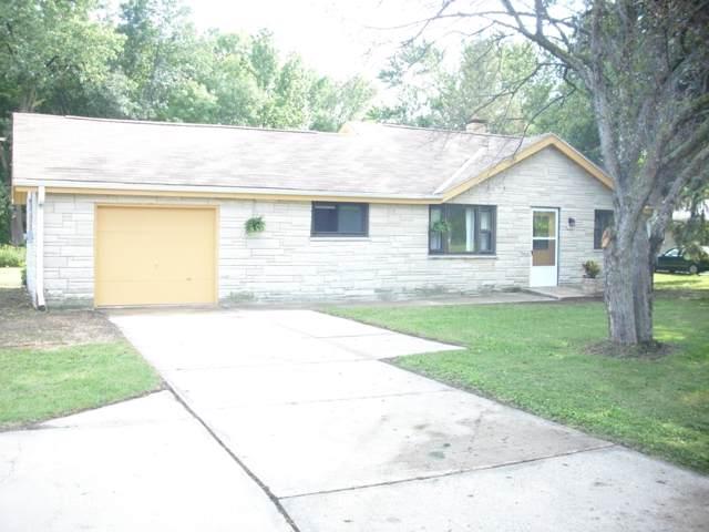 2319 W Rawson Ave, Oak Creek, WI 53154 (#1669479) :: Keller Williams Realty - Milwaukee Southwest