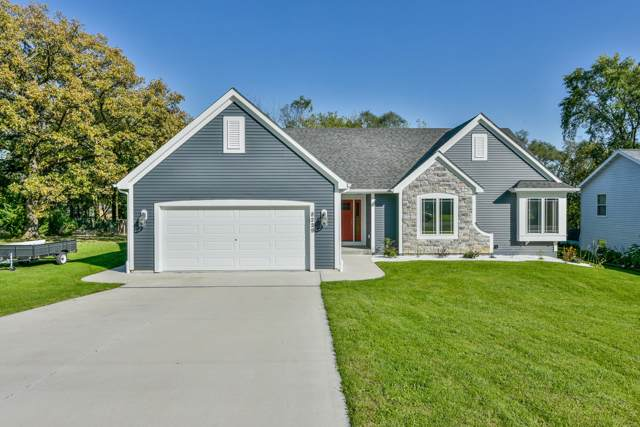 8229 201st Ave, Bristol, WI 53104 (#1669531) :: RE/MAX Service First Service First Pros