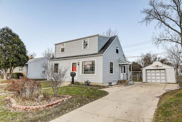 6324 W Bennett Ave, Milwaukee, WI 53219 (#1669671) :: RE/MAX Service First Service First Pros