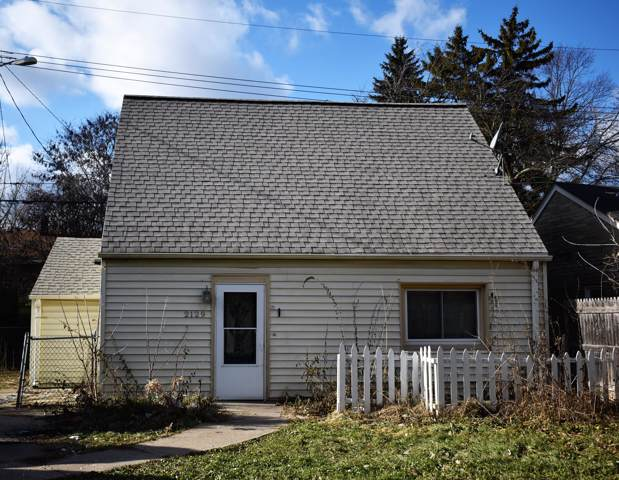2129 N 114th St, Wauwatosa, WI 53226 (#1669674) :: Keller Williams Realty - Milwaukee Southwest