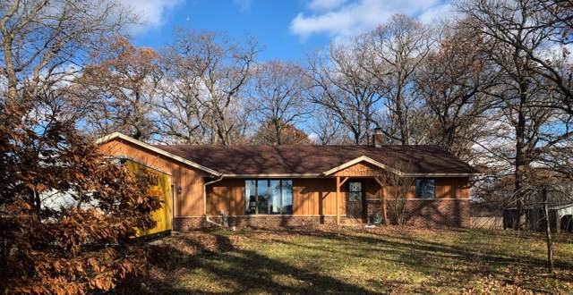 7227 Wheatland Rd., Burlington, WI 53105 (#1669746) :: RE/MAX Service First Service First Pros