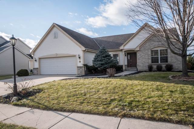 1922 Foxcroft Ln, Waukesha, WI 53189 (#1669766) :: RE/MAX Service First Service First Pros