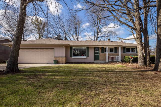 4235 S 93rd St, Greenfield, WI 53228 (#1669830) :: Keller Williams Realty - Milwaukee Southwest