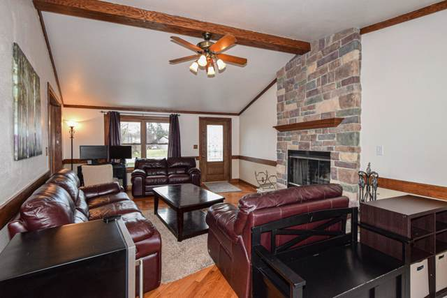 7001 W Plainfield Ave, Greenfield, WI 53220 (#1669851) :: Keller Williams Realty - Milwaukee Southwest