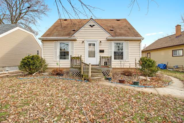 820 S 96th St, West Allis, WI 53214 (#1669918) :: Keller Williams Realty - Milwaukee Southwest