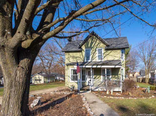 120 W Geneva St, Williams Bay, WI 53191 (#1669938) :: RE/MAX Service First Service First Pros