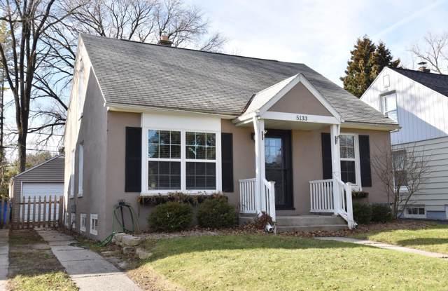 5133 N Bay Ridge Ave, Whitefish Bay, WI 53217 (#1669976) :: Tom Didier Real Estate Team