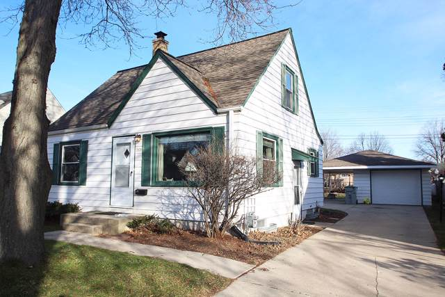 3436 N 97TH PL, Milwaukee, WI 53222 (#1669992) :: RE/MAX Service First Service First Pros