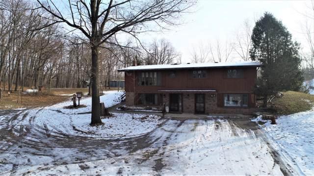 W1277 Lake Dr, Auburn, WI 53010 (#1669995) :: Tom Didier Real Estate Team